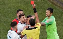 Messi nhận thẻ đỏ, Argentina vẫn vượt qua nỗi ám ảnh lịch sử