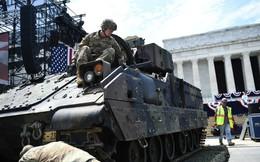 """Màn phô diễn sức mạnh quân sự dịp Quốc khánh của Mỹ bị Nga dè bỉu vì dùng toàn vũ khí """"cũ nát"""""""