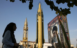 """Nghẹt thở giữa gọng kìm Mỹ-Iran, châu Âu lo sốt vó nhìn thỏa thuận hạt nhân sắp bị """"khai tử"""""""