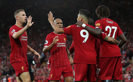"""""""Chấp"""" đối phương hẳn 1 hiệp, nhà vô địch Champions League khởi đầu Premier League như mơ"""