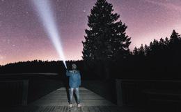 Các nhà khoa học nghĩ rằng ánh sáng và tiếng ồn từ Trái đất có thể thu hút người ngoài hành tinh