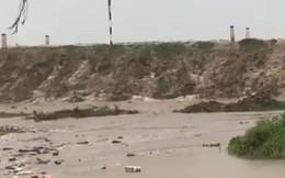 Quân đội và dân quân đang gồng mình cứu đê biển Tây bị sạt lở