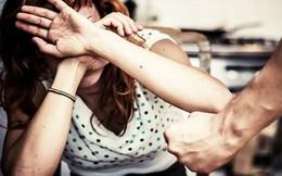 Chứng kiến mẹ bị bố đánh, phản ứng của 3 người con khác đến mức đủ để thức tỉnh mọi người