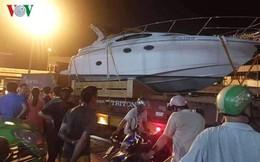 Cố cứu container mắc kẹt ở gầm cầu vượt Long Thành, phụ xe tử vong