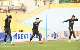 Quảng Nam muốn mượn Phí Minh Long nhưng HLV Chu Đình Nghiêm không đồng ý vì lý do liên quan đến Bùi Tiến Dũng