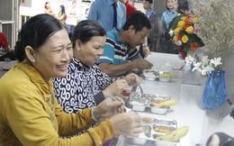 Những bữa cơm miễn phí, ấm áp nghĩa tình cho bệnh nhân nghèo