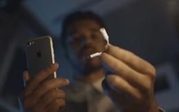 """Cứ khen Apple dũng cảm, nay Samsung cũng """"gan dạ"""" không kém"""