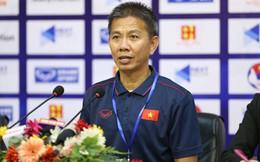 HLV Hoàng Anh Tuấn phản ứng bất ngờ trước câu hỏi khó sau khi U18 Việt Nam thua Campuchia