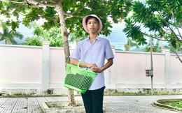 Nam sinh mượn giỏ đi chợ của mẹ làm cặp sách đến trường: Muốn sang chảnh có sang chảnh, muốn thần thái có thần thái