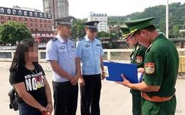 Hai thiếu nữ sinh đôi 15 tuổi bị bạn mẹ lừa bán sang Trung Quốc làm vợ