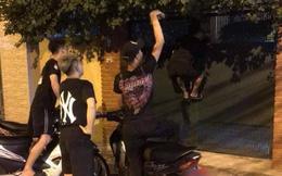 """Hay tin Vũ trả Thư 3 tỷ, nhóm thanh niên liền đến cửa nhà ông Sơn """"Về nhà đi con"""" đòi nợ gây xôn xao MXH"""