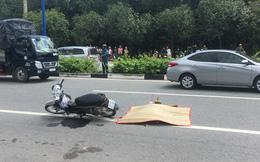 Va chạm với 2 xe tải, người phụ nữ bị cán chết trên đường đi chơi
