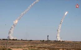 """Xem quân đội Nga phóng hàng loạt tên lửa """"khủng"""" hủy diệt mục tiêu"""