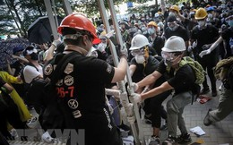 Hong Kong: Đụng độ giữa cảnh sát chống bạo loạn và người biểu tình