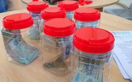 Nhóm 7 người đi ô tô mang theo 448 triệu đồng sang Campuchia đá gà, lắc tài xỉu