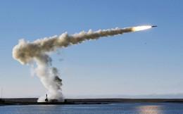 """Tập trận với tên lửa Bastion, hạm đội Nga quét sạch """"tàu địch"""", bảo vệ bờ biển trước khách không mời"""