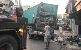 [CLIP] Hiện trường xe container lao vào nhà dân gần ngã tư Phú Nhuận