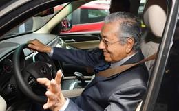 [Video] Những hình ảnh đẹp trong lần lái thử xe VinFast của Thủ tướng Malaysia