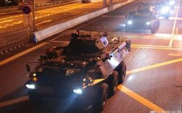 Rạng sáng nay, quân đội Trung Quốc bất ngờ tiến hành luân chuyển binh lính đồn trú tại Hồng Kông