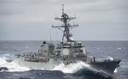 """Chiến hạm Mỹ áp sát đá Chữ Thập, Vành Khăn, Trung Quốc bất ngờ """"la làng"""" là bị bắt nạt"""