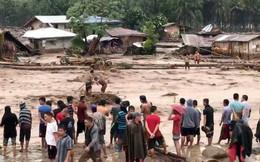Lũ cuốn 13 người mất tích ở Thanh Hoá, giải cứu 1 người giữa suối