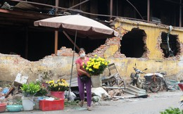 Vụ cháy kho nhà máy Rạng Đông: Thị trường thực phẩm cạnh hiện trường hoạt động ra sao?