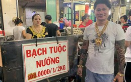 """Cặp vợ chồng nói về việc đeo cả trăm lượng vàng đứng bán ốc ở Sài Gòn: """"Mình có tiền, có khả năng mua thì cứ đeo"""""""