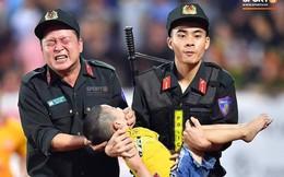 Danh tính Đại úy CSCĐ tỉnh Nam Định dùng tay chèn miệng để cứu bé trai trên sân vận động