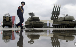 """Iran để Nga nhảy vào Vịnh Ba Tư: """"Chao nghiêng"""" thế lực khu vực?"""