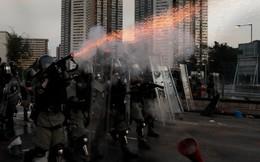 Hồng Kông căng như dây đàn: Bắc Kinh lại họp báo, 12.000 cảnh sát TQ tập trận sát đặc khu