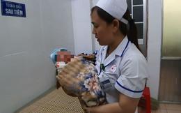 Bé trai sơ sinh 2 ngày tuổi bị mẹ bỏ rơi sau khi sinh tại bệnh viện