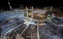 24h qua ảnh: Tín đồ Hồi giáo cầu nguyện tại thánh địa Mecca