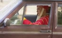 """""""Sư phụ"""" ngồi ô tô và những hình ảnh hiếm có của Tây Du Ký 1986"""