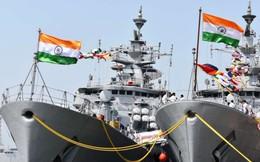 """Kashmir nóng rực: Ấn Độ đưa tàu chiến vào trạng thái """"báo động cao"""", sợ Pakistan khủng bố"""