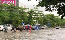 Đường Hà Nội biến thành sông, ô tô  ở Thái Nguyên ngập tới nóc trong sáng nay là do đâu?