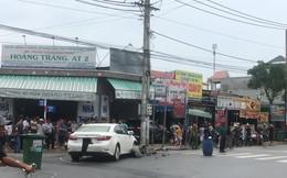 Mercedes và Lexus tông nhau nát đầu giữa ngã tư rồi lao vào tiệm thuốc tây trong khu dân cư