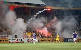 Hà Nội FC nói gì về án phạt treo sân sau sự cố pháo sáng ở Hàng Đẫy?