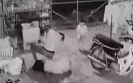 Người chồng đánh, đá vợ liên hồi rồi dìm nạn nhân xuống hồ nước trước mặt con nhỏ khai gì?