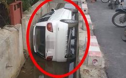 """Hiện trường vụ tai nạn ô tô kỳ lạ, dân mạng hoang mang hỏi: """"Đi kiểu gì mà thành thế này?"""""""