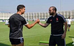 'Sóng ngầm' tại Juventus: Ronaldo nổi điên với Higuain