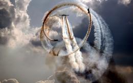 24h qua ảnh: Máy bay nhào lộn mãn nhãn tại triển lãm hàng không Nga
