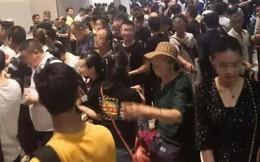 Hàng nghìn người Trung Quốc bất ngờ ồ ạt rời Campuchia: Nguyên nhân đằng sau là gì?