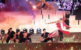 Tùng Dương đắm chìm trong sắc màu văn hoá tại buổi khai mạc Lễ hội Mường Lò