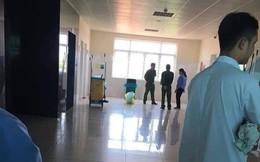 Phát hiện thi thể bé gái sơ sinh bị bỏ rơi trong thùng rác nhà vệ sinh