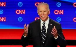 """Nghi án """"đi đêm"""" của ông Trump tạo ra rủi ro lẫn cơ hội cho ông Biden"""