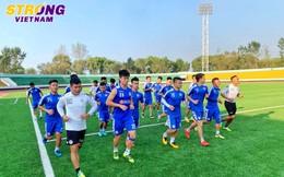 """Quang Hải và đồng đội hào hứng với buổi tập đầu tiên trên mặt sân """"lạ"""" tại Triều Tiên"""