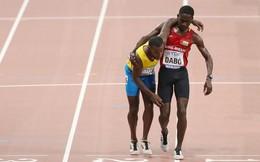 Lay động trái tim hình ảnh VĐV dìu nhau về đích ở giải điền kinh VĐTG