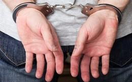 Bắt tạm giam chủ tịch xã tiếp tay cho kẻ lừa đảo chiếm đoạt hàng tỷ đồng