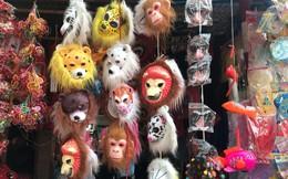 Mặt nạ lông lá xuất xứ Trung Quốc tràn ngập chợ Trung thu Việt Nam