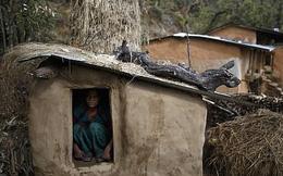 Người mẹ và hai cậu con trai chết thảm trong lều chỉ vì một hủ tục từ thời xưa khiến chị em phụ nữ phải rùng mình